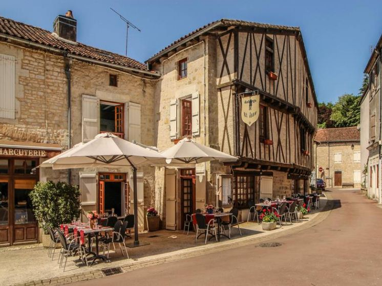Nanteuil en Vallee – France, Charente