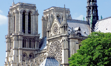 10+ Famous Buildings Of France Pictures Included